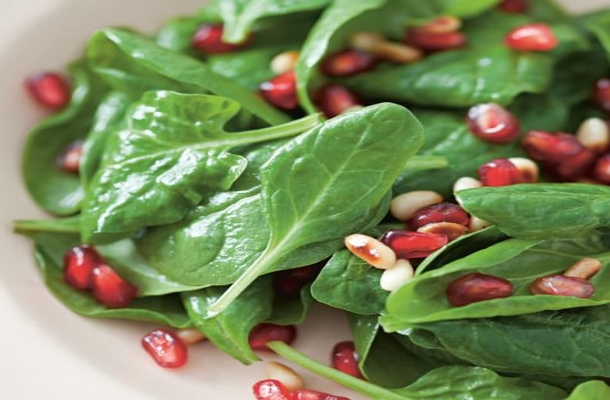 Spinach Pomegranate Salad in Hindi