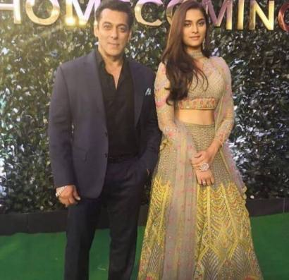 Salman-Khan-and-Saiee-Manjrekar